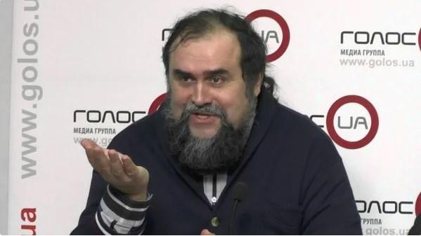 Шурик, ты в себе? У тебя борода отклеилась!