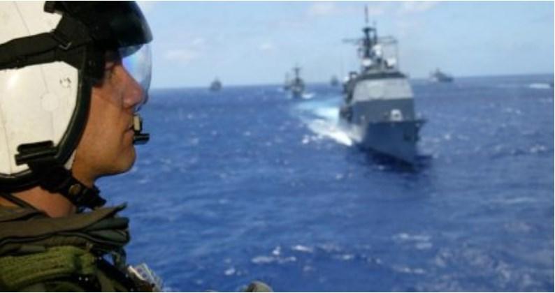 """Российский корабль вежливо """"сорвал"""" военные учения США, чем сильно удивил американцев"""