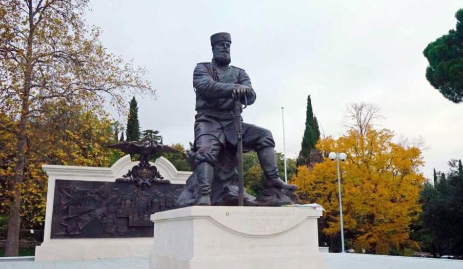 В субботу в парке Ливадийского дворца в Крыму будет торжественно открыт памятник Александру Третьему