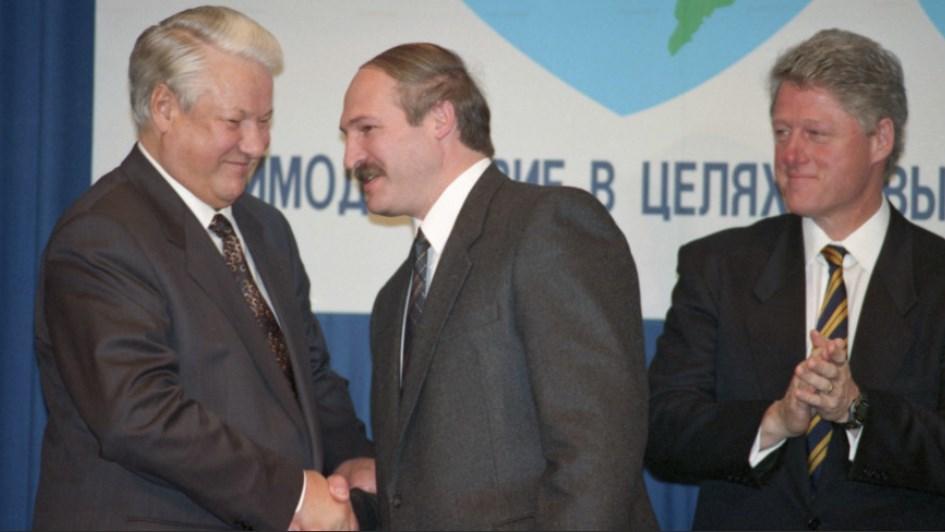 Лукашенко рассказал, как с Ельциным «потроллил» Клинтона