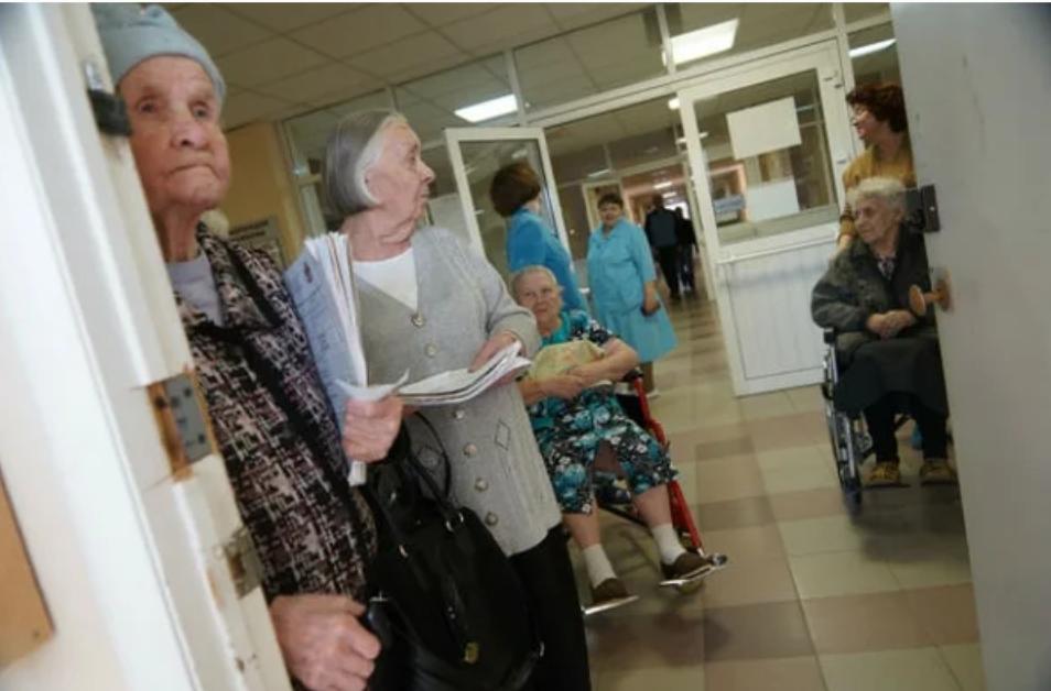 """""""Пенсионеры ложатся в больницы, чтобы поесть нахаляву"""" - очередное высказывание чиновника"""