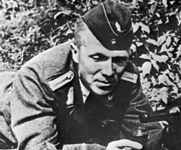Ликвидировал 11 немецких генералов и нацистских боссов: как воевал самый результативный диверсант Николай Кузнецов