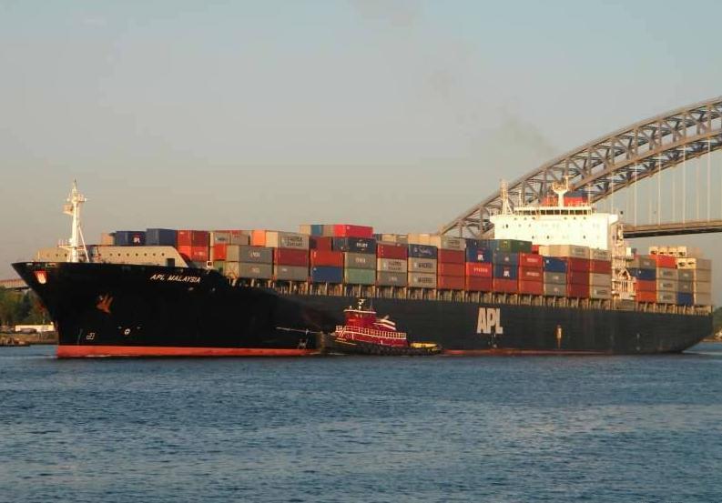Официальные данные опровергают заявления Меркель об ухудшении условий судоходства в Керченском проливе