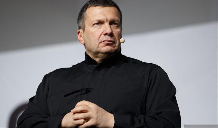 Телеведущий Соловьев ответил на требование отстранить его от эфира
